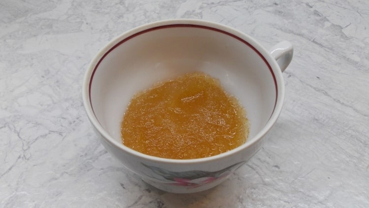 Есть немало отзывов, подтверждающих пользу желатина для суставов.