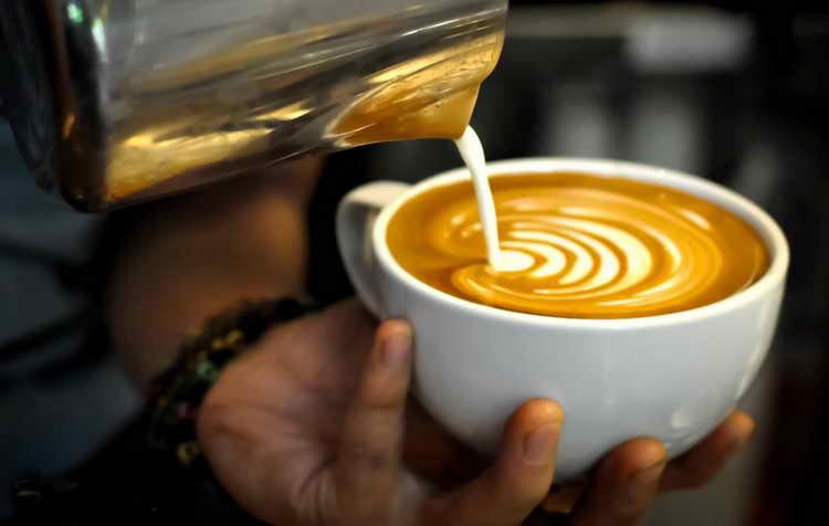 сколько калорий в кофе с сахаром