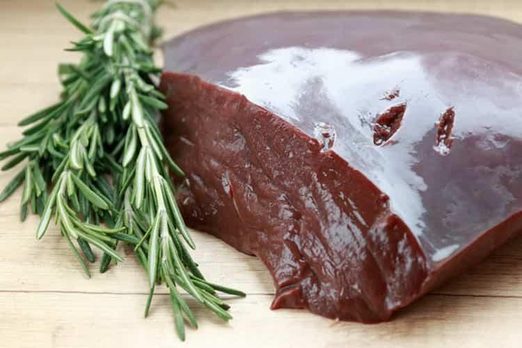 Печень говяжья: польза и вред для организма
