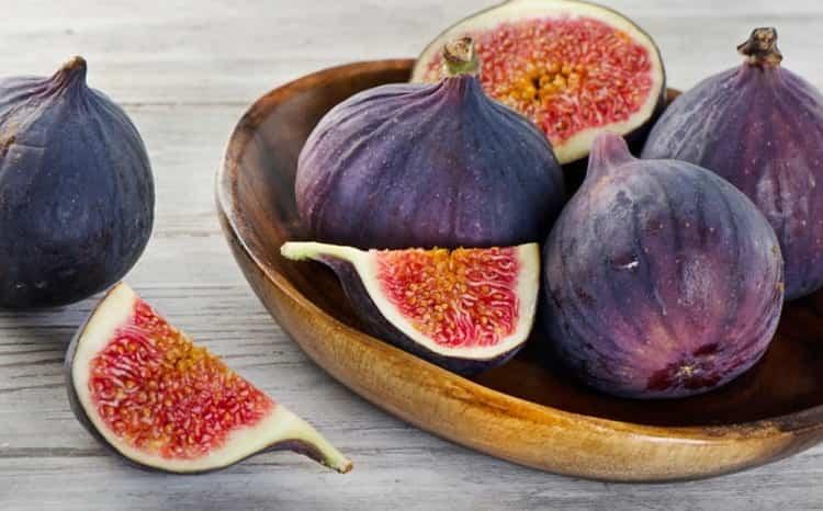 Инжир свежий и сушеный: калорийность, белки, жиры, углеводы