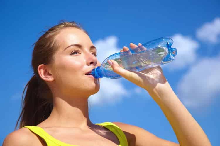 Как правильно пить воду, чтобы похудеть: советы и диета