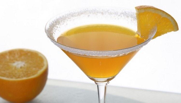 Многим нравится апельсиновый мартини.