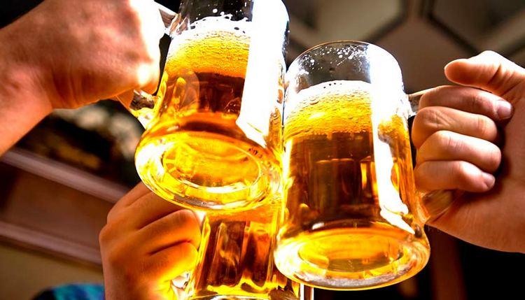 Калорийность алкоголя на 100 г отличается в зависимости от вида напитка.