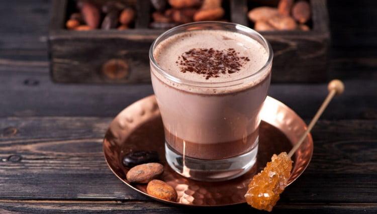 Какао с молоком имеет очень высокую калорийность.