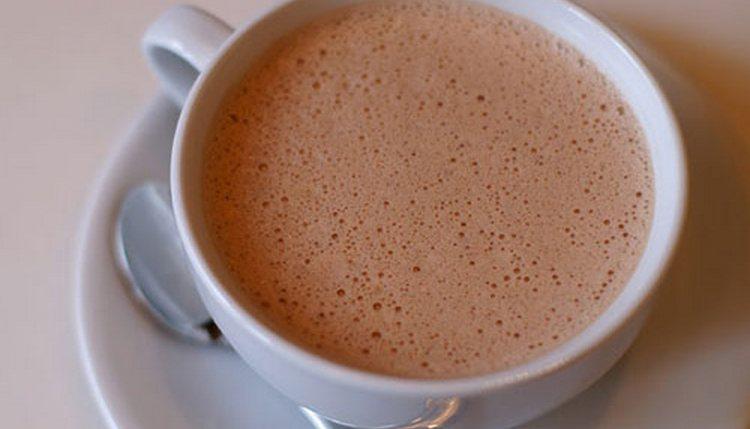 Узнайте, сколько составляет калорийность какао в одной кружке.