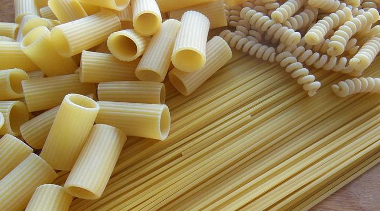 Конечно, если вы не хотите набирать лишний вес, лучше отдать предпочтение макаронам из твердых сортов пшеницы.