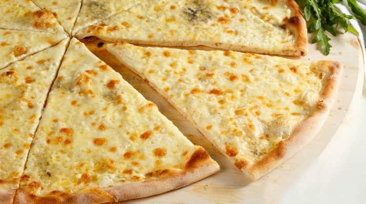 сырная пицца тоже имеет высокую пищевую ценность.