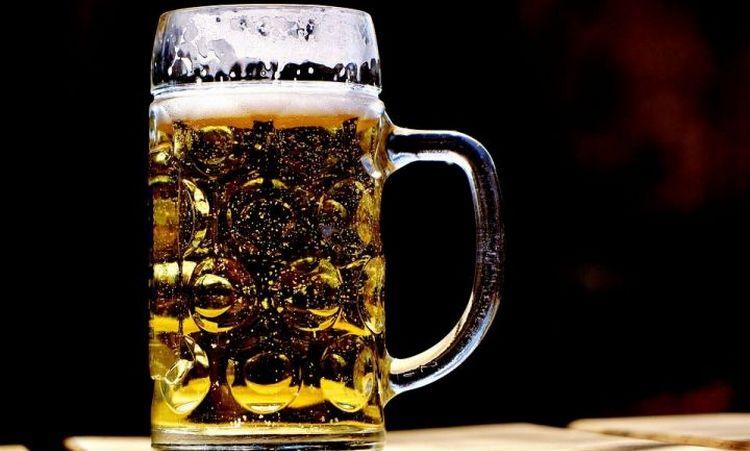 Узнайте, сколько калорий в пиве на 0,5 л.