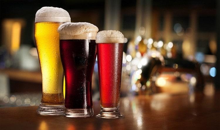 Узнайте, сколько калорий в бутылке пива.