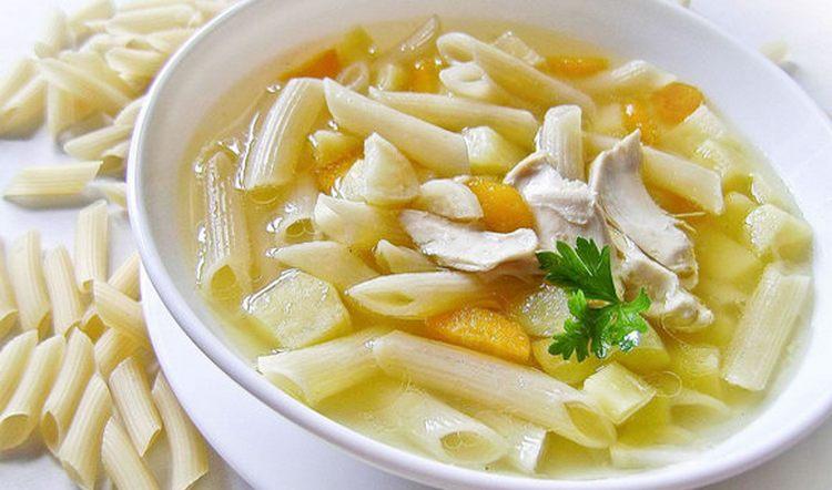 Калорийность вермишелевого супа достаточно высокая.