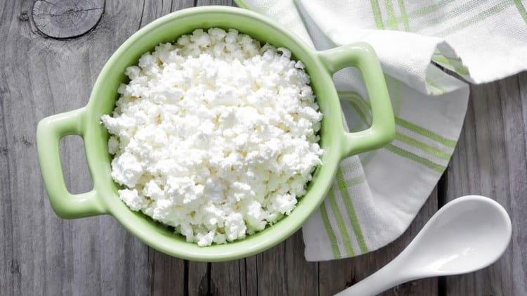 121 ккал составляет калорийность творога 5 %.