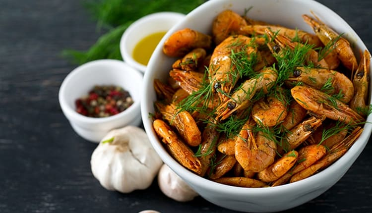 Креветки в маринаде, конечно, имеют более высокую пищевую ценность.