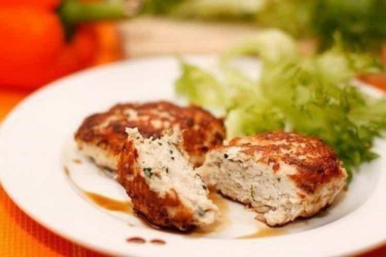 калорийность котлеты из куриного фарша