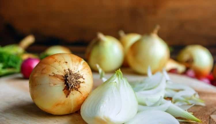 Лук репчатый: калорийность, белки, жиры и углеводы