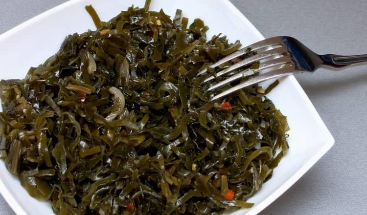 Калорийность маринованной морской капусты относительно невысокая.