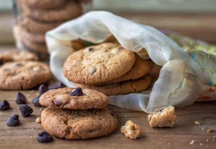 сколько калорий в овсяном одном печенье