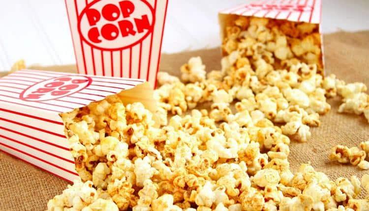 Самой низкой является калорийность сладкого попкорна.