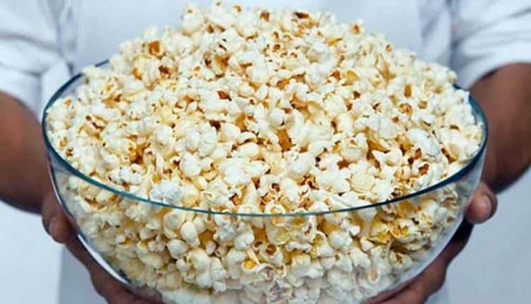 То, сколько будет калорий в попкорне сладком, зависит от того, сами вы его готовите или покупаете магазинный.