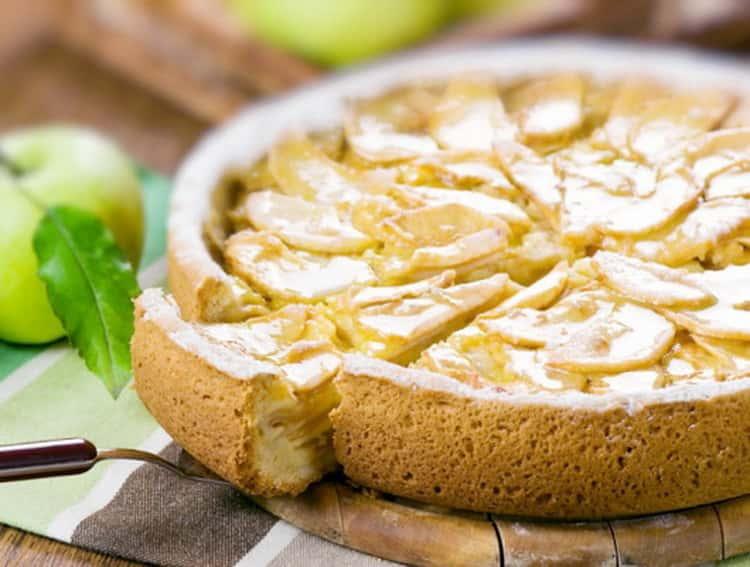 калорийность шарлотки с яблоками классический