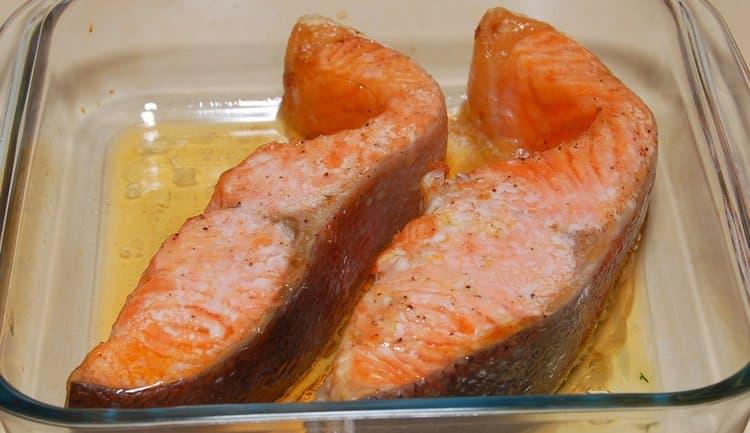 Низкой является калорийность семги, приготовленной на пару.