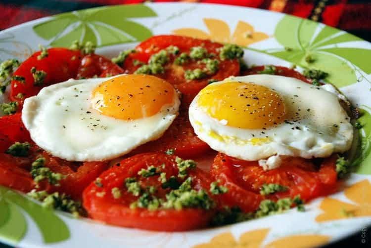 яичница: калорийность