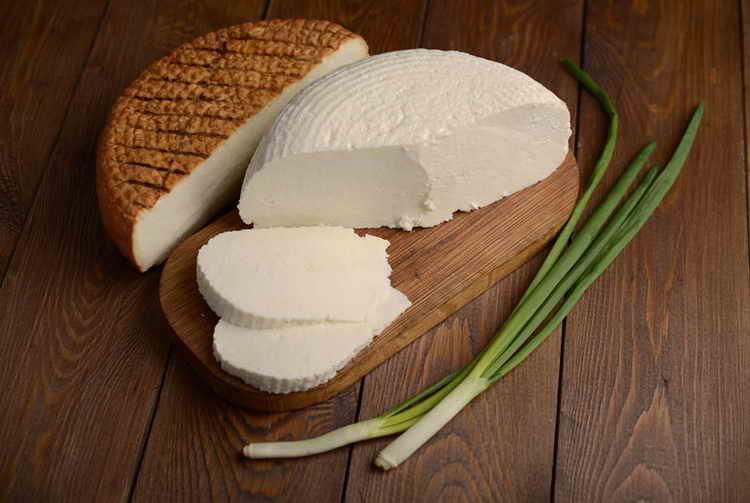 сколько калорий в сыре адыгейском