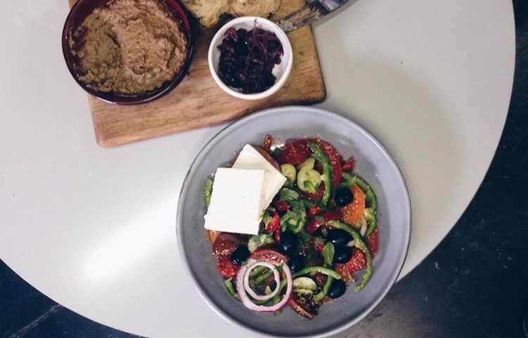 салат греческий классический рецепт калорийность