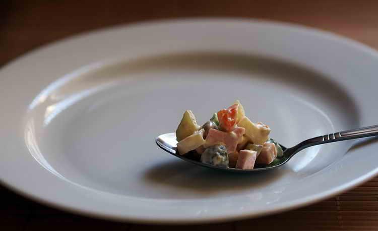 оливье калорийность на 100 грамм с колбасой