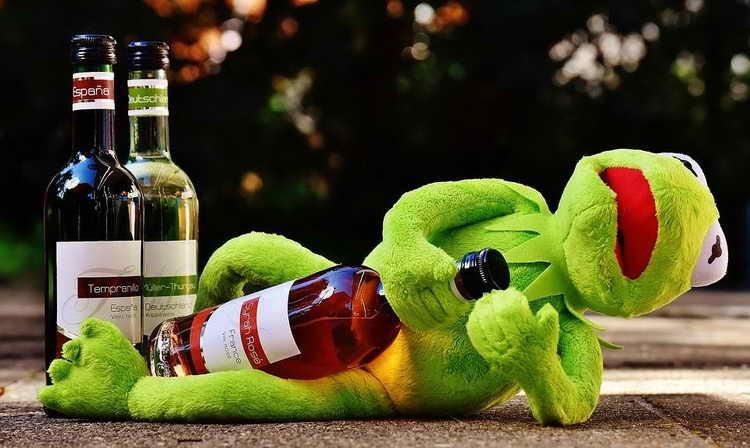 калорийность белого вина полусладкого