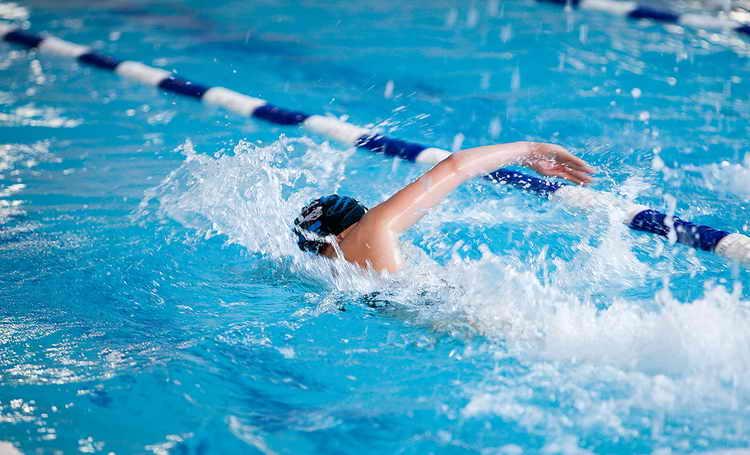 плавание в бассейне для похудения отзывы