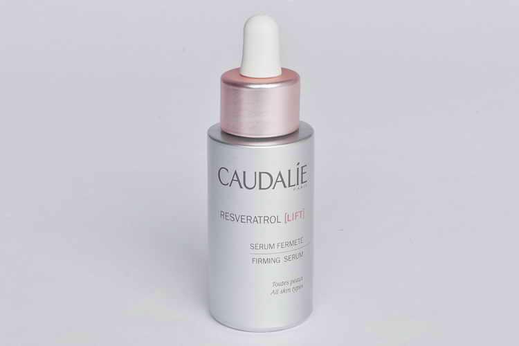 сыворотка Vinolift Serum Аu Resveratrol de Vigne от Caudalie