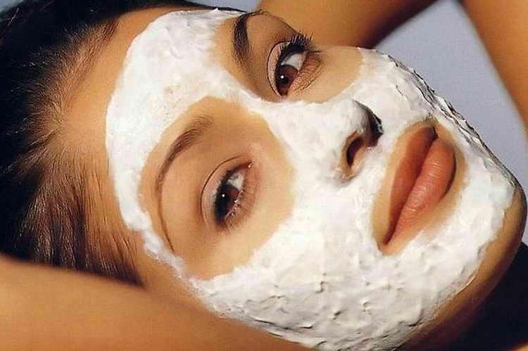 Творожная маска на масляной основе витамина Е от шелушения кожи лица