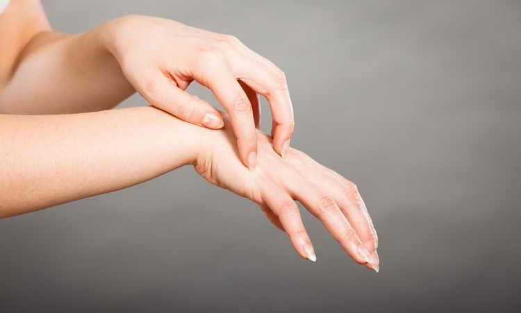 сухая кожа тела причины