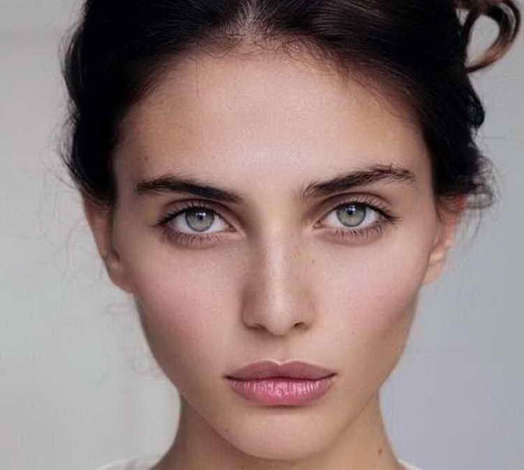 макияж для зеленых глаз повседневный