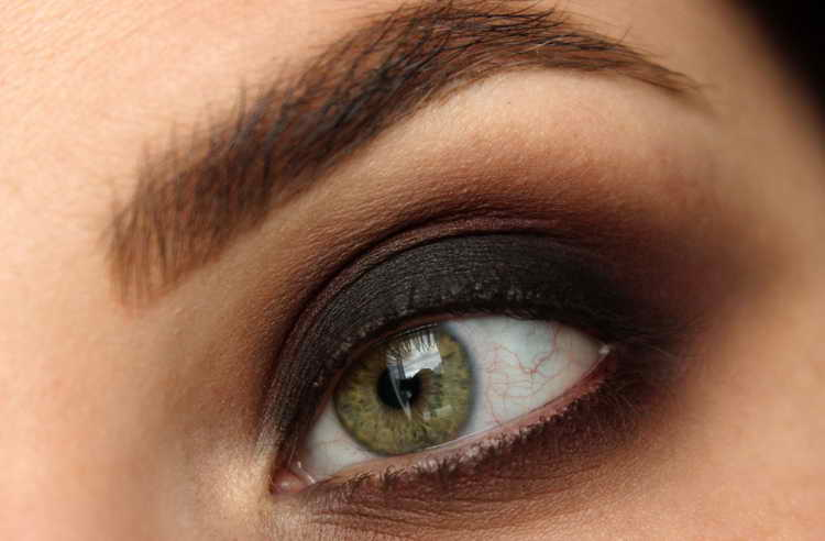 макияж для зеленых глаз самой себе