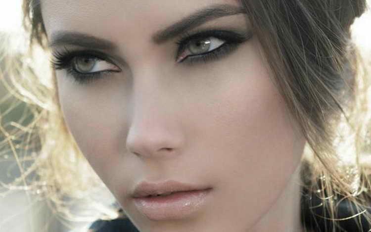 макияж для зеленых глаз для русых