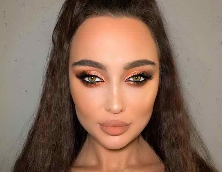 макияж для зеленых глаз для брюнеток