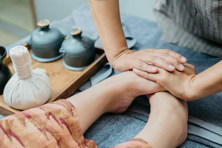 массаж стопы ног польза и вред