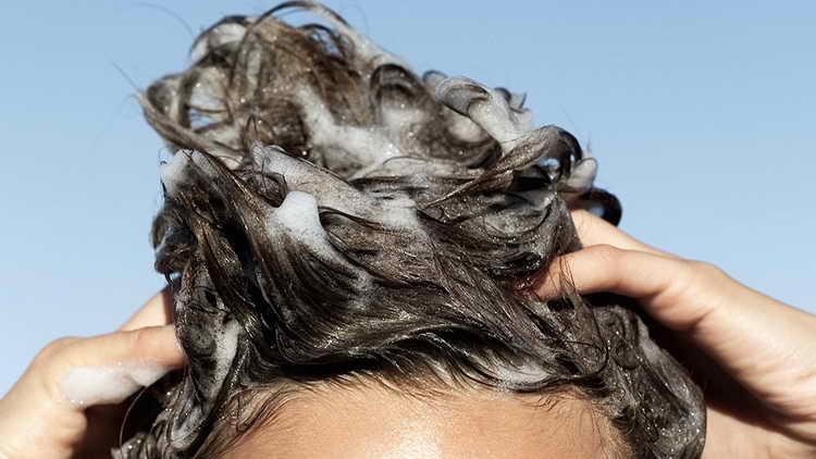 кожа головы чешется и шелушится болячки лечение